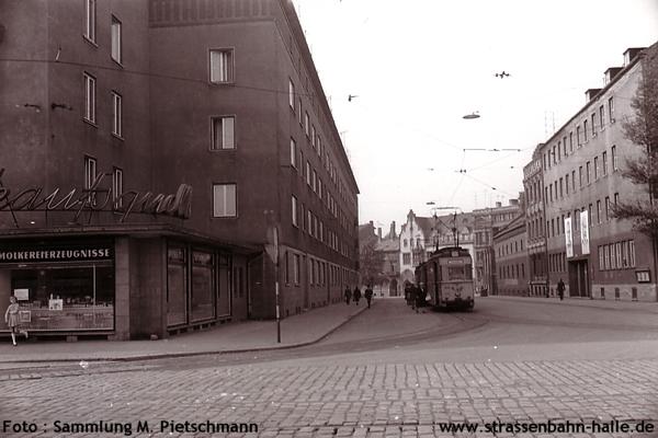 http://www.strassenbahn-halle.de/Internet/Bild-3.jpg